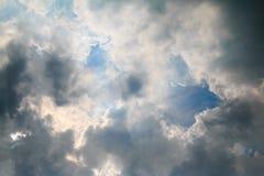 Черно-белые облака на небе Стоковые Фотографии RF