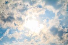 Черно-белые облака на небе Стоковые Изображения RF