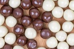 Черно-белые печенья сладостного шоколада Стоковая Фотография