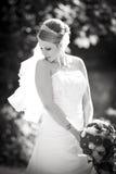 Черно-белый - милый портрет свадьбы невесты стоковые изображения rf
