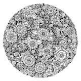 Черно-белый орнамент цветка круга, орнаментальный круглый дизайн шнурка Флористическая мандала Стоковое Изображение RF