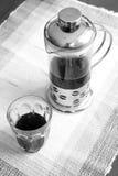 Черно-белый тон кофе прессы француза Стоковые Фотографии RF