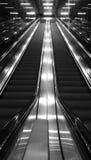 Черно-белый эскалатор Стоковые Фото
