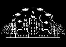 Черно-белый castel ужаса с мертвым деревом и для hallowee Стоковые Изображения