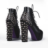 черные женские ботинки стоковое фото rf