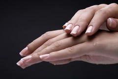 черные женские руки Стоковая Фотография