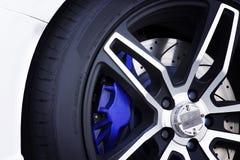 Черные колеса сплава магния гоночного автомобиля Стоковое Изображение