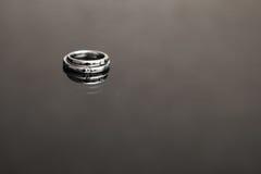 черные кольца wedding белизна Стоковая Фотография RF