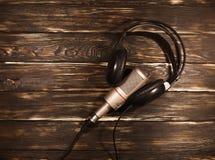 Черные наушники с микрофоном Стоковое Изображение RF