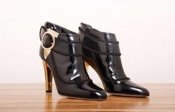 черные сексуальные ботинки Стоковые Фотографии RF