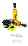 черные травы бутылки смазывают прованские оливки Стоковое фото RF