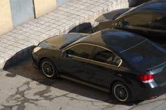 Черный автомобиль, взгляд сверху Взгляд сверху крыши черного автомобиля Стоковое Фото