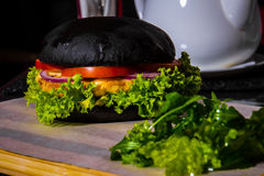 Черный бургер Стоковое Фото