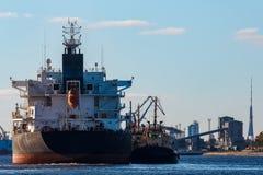Черный грузовой корабль Стоковое фото RF