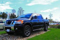 черный грузовой пикап стоковая фотография rf