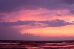 черный заход солнца моря Стоковая Фотография