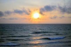 черный заход солнца моря Стоковое Фото