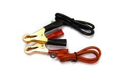Черный и красный соединительный кабель изолированный на белой предпосылке Стоковые Изображения RF