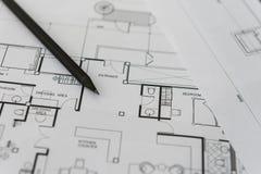 Черный карандаш на архитектурноакустическом для чертежей конструкции Стоковое Изображение RF