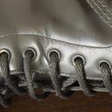Черный кожаный ботинок с шнурками Стоковые Фото