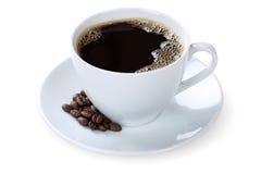 Черный кофе в изолированной кружке чашки Стоковое Изображение RF
