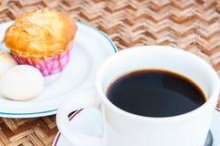 Черный кофе и десерт Стоковое Изображение RF