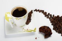 Черный кофе с булочкой Стоковые Фотографии RF