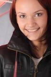 черный красный зонтик под женщиной Стоковая Фотография