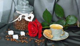 черный красный цвет кофейной чашки поднял Стоковое Изображение RF