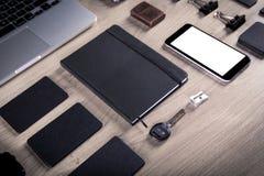 Черный клеймя модель-макет Шаблон установленный на деревянную предпосылку Стоковые Фотографии RF