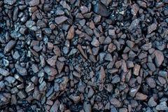 Черный минерал как камень куба, текстурированная предпосылка угля Стоковые Фото