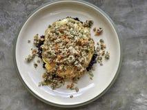 Черный органический коричневый рис с свининой и овощем яичницы в ce Стоковые Фотографии RF