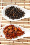 Черный перец и chili стоковое изображение rf