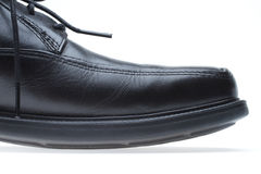 черный пец ноги ботинка людей s кожи платья Стоковое Фото