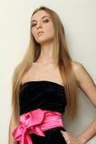 черный пинк девушки платья смычка Стоковое Изображение RF