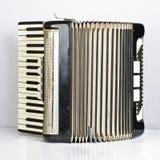 Черный раскрытый аккордеон стоковая фотография
