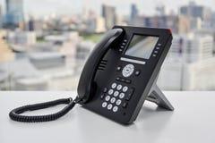 Черный телефон IP - телефон офиса Стоковое фото RF