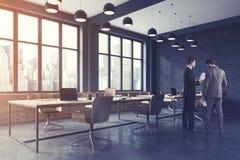 Черный тонизированный офис открытого пространства кирпича Стоковые Изображения RF