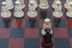 черным белизна пешки шахмат изолированная цветом Стоковое Изображение