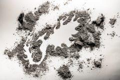 Чертеж птицы Феникса мифический сделанный в куче золы как второе рождение, Стоковые Фото