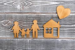Чертеж семьи, дом, сердца housing стоковое фото