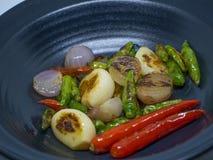 Чеснок, chili, лук стоковое изображение
