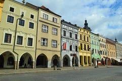 Чехия arcaded зданий jovice› ÄŒeské BudÄ стоковое изображение rf