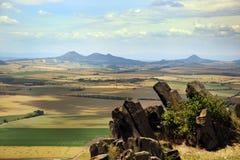 Чехословакский ландшафт от замка Hazmburk на ÄŒeské StÅ™edohořà Стоковые Фото