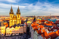 чехословакский старый городок республики prague Взгляд на церков Tyn и январе h Стоковые Изображения