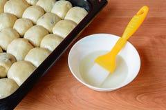 Чех испек плюшки с вареньем и сахаром Стоковое Изображение