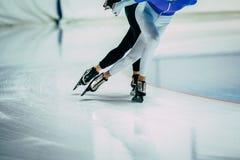 Человека ноги конькобежца спортсменов Стоковые Изображения RF