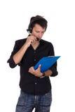 Человек давая заказы над микрофоном Стоковые Изображения RF