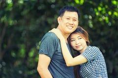 Человек Азии и женщины, концепция влюбленности Стоковые Изображения RF