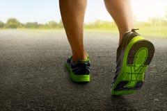 Человек бежать дальше outdoors Стоковая Фотография